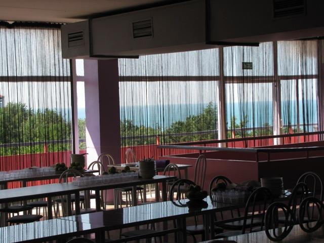 Морская Звезда, детский оздоровительный комплекс. 02.зал с видом на море