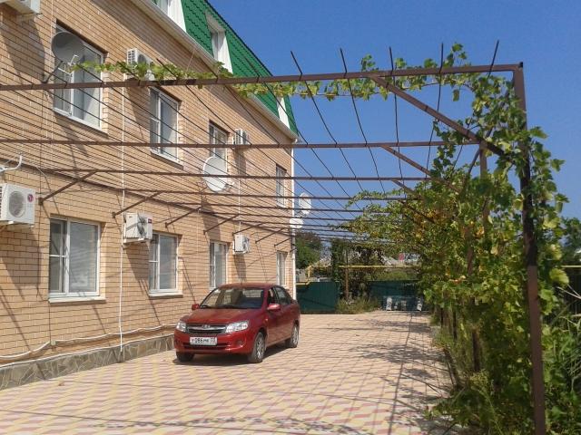 Зеленая-30, гостевой дом. 03